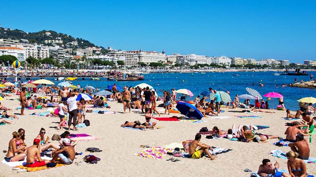 Cannes_beach