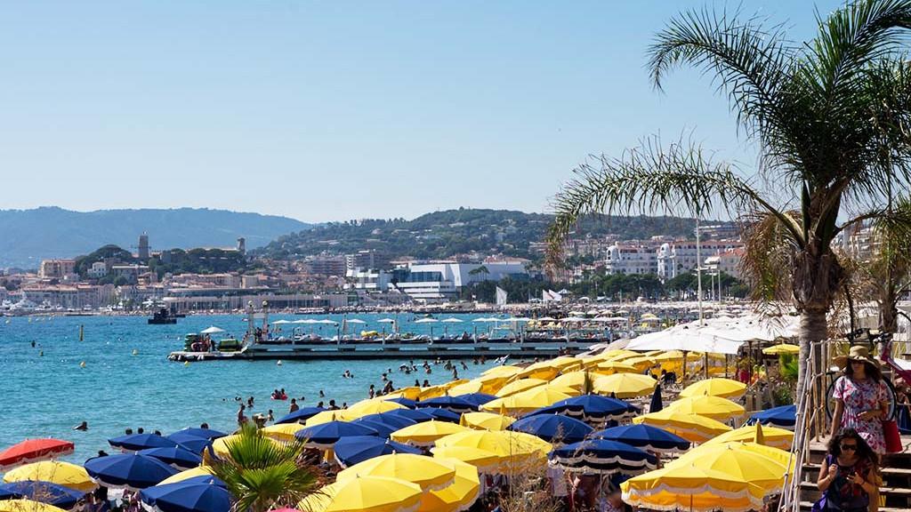 Cannes_beach_2