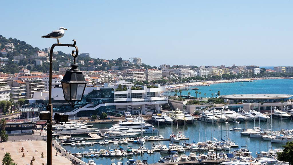 Cannes_beach_3