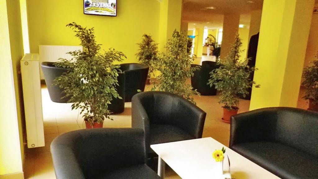 02_residence_lobby