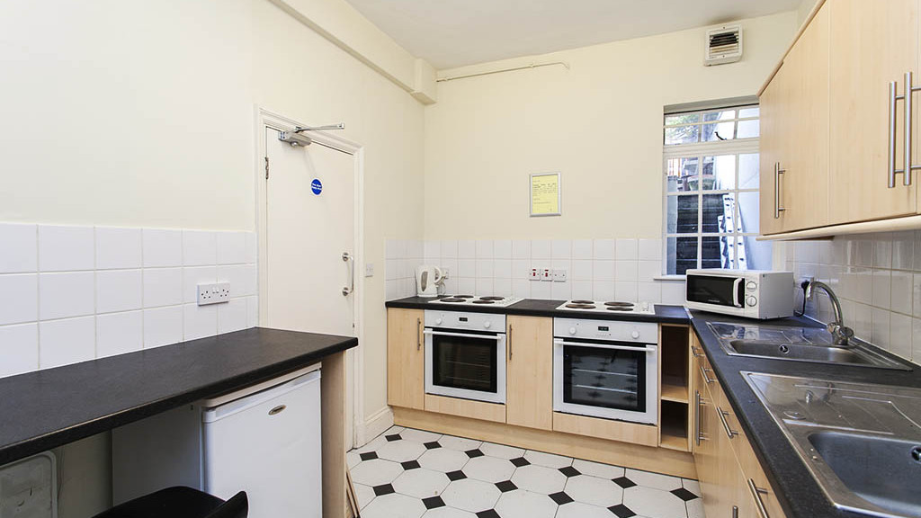 earls-court-residence---zone-1_31541903984_o